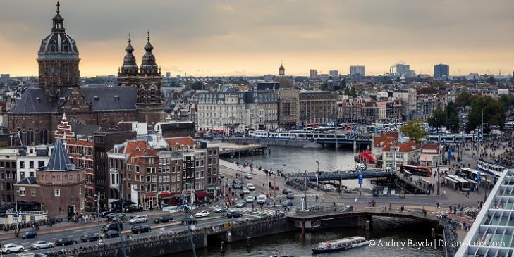 Gemeente Amsterdam mag warmtenet niet verplichten